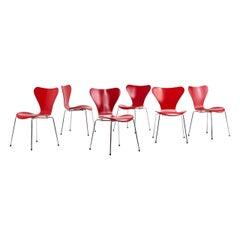 "Arne Jacobsen for Fritz Hansen, 3107 ""Butterfly"" Chairs, Set of 6"