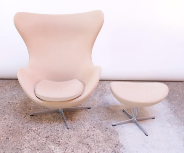 Danish Arne Jacobsen for Fritz Hansen Egg Chair and Ottoman Distributed by Knoll For Sale