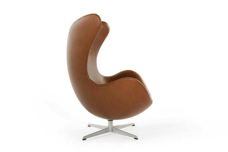 Arne Jacobsen for Fritz Hansen Egg Chair, Denmark, 1966 For Sale 1