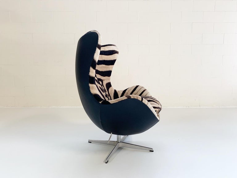 Arne Jacobsen for Fritz Hansen Egg Chair in Zebra Hide and Loro Piana Leather For Sale 5