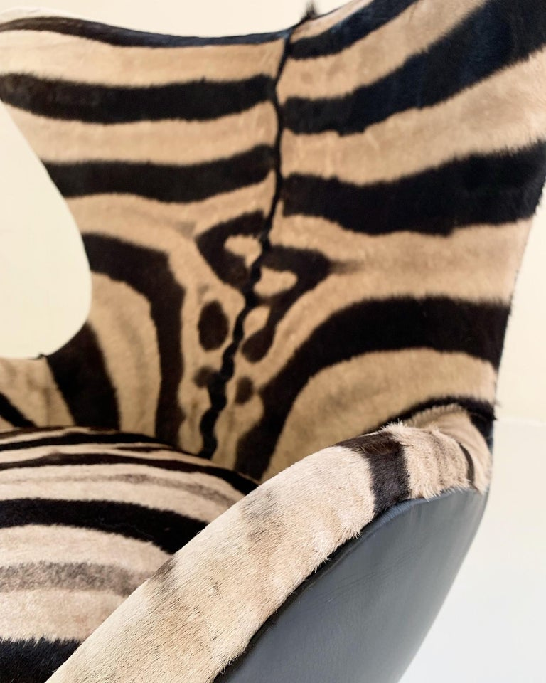 Arne Jacobsen for Fritz Hansen Egg Chair in Zebra Hide and Loro Piana Leather For Sale 3