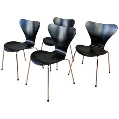 Arne Jacobsen for Fritz Hansen Series 7 Side Chairs, Set of Four