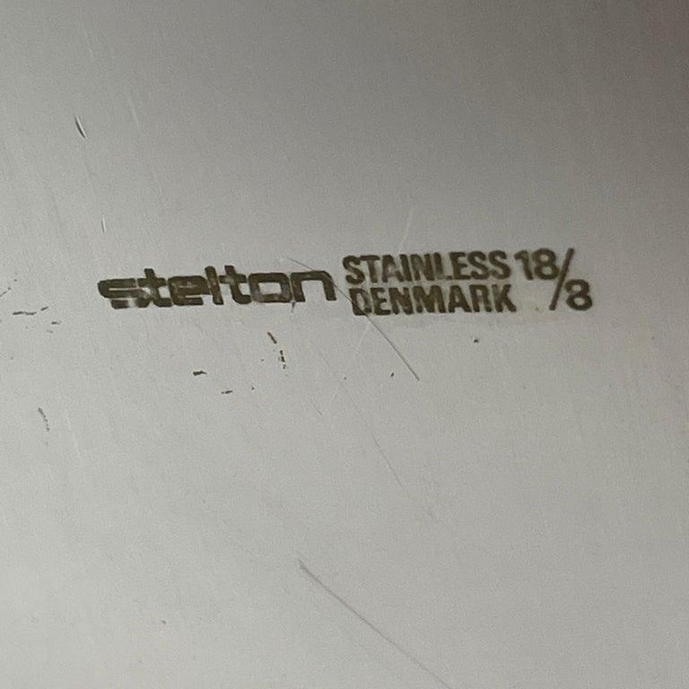 Arne Jacobsen for Stelton Mid-Century Modern Cocktail Shaker and Stir Spoon For Sale 3
