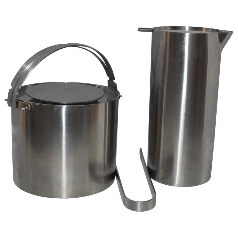 Arne Jacobsen for Stelton Pitcher, Ice Bucket and Tongs In Good Condition For Sale In Haddonfield, NJ