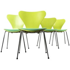 Arne Jacobsen - Green Chairs - Fritz Hansen - 1950s