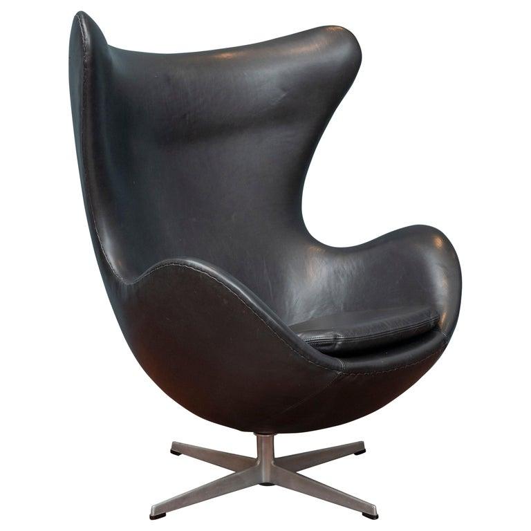 Arne Jacobsen Leather Egg Chair For Fritz Hansen For Sale At 1stdibs