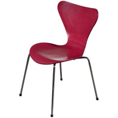 18 Arne Jacobsen Model 3017 Chairs