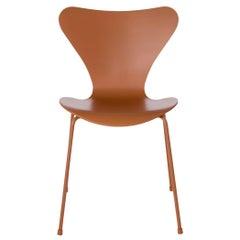Arne Jacobsen Model 3107 Monochrome