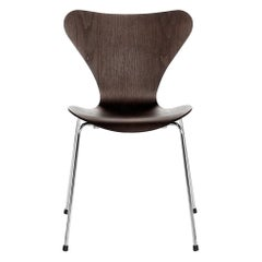 Arne Jacobsen Model 3107 Series 7 Clear Lacquer