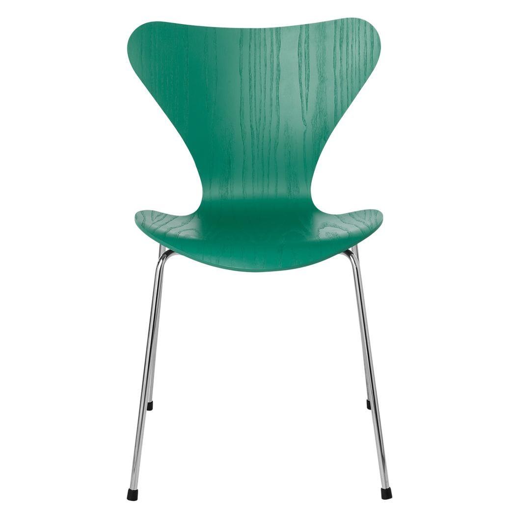 Arne Jacobsen Model 3107 Series 7 Coloured Ash