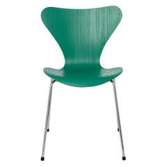 Arne Jacobsen Model 3107 Series 7 Coloured Ash