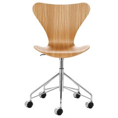 Arne Jacobsen Model 3117 Clear Lacquer