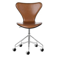 Arne Jacobsen Model 3117 Front Upholstered