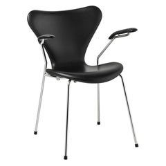 Arne Jacobsen Model 3207 Fully Upholstered