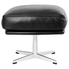 Arne Jacobsen Model 4210 Oksen Footstool