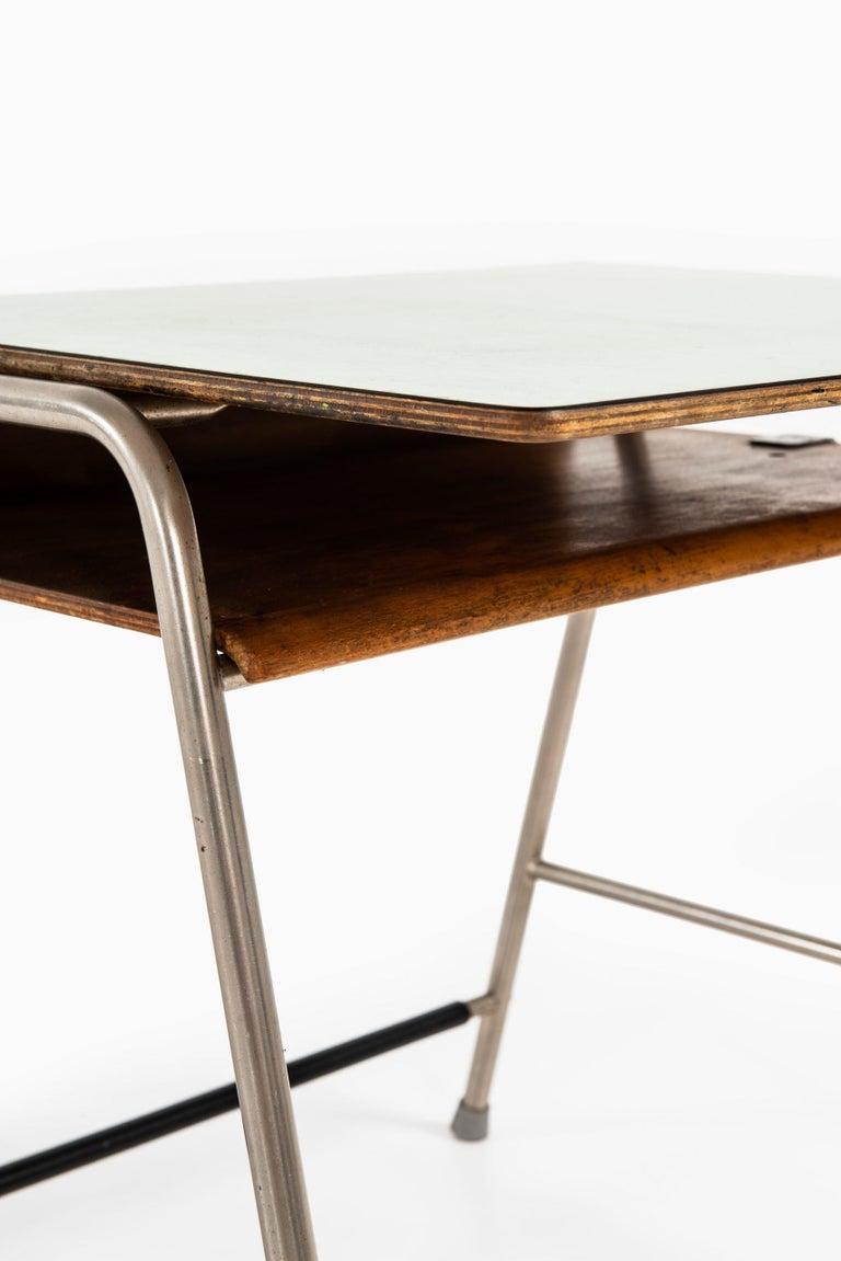 Mid-20th Century Arne Jacobsen Munkegaard School Desk Produced by Fritz Hansen in Denmark For Sale