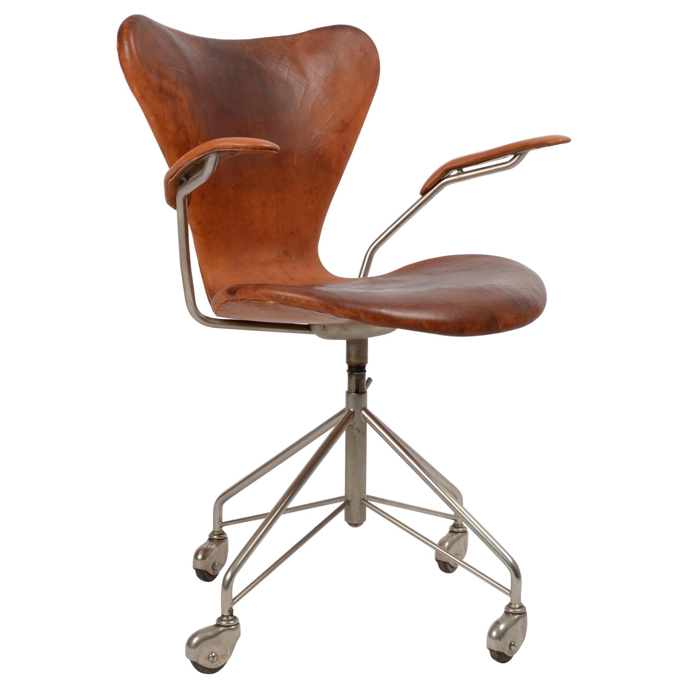 Arne Jacobsen, Office Chair, ´Sjuan/Seven´/ AJ 3217, Fritz Hansen, 1950s-1960s