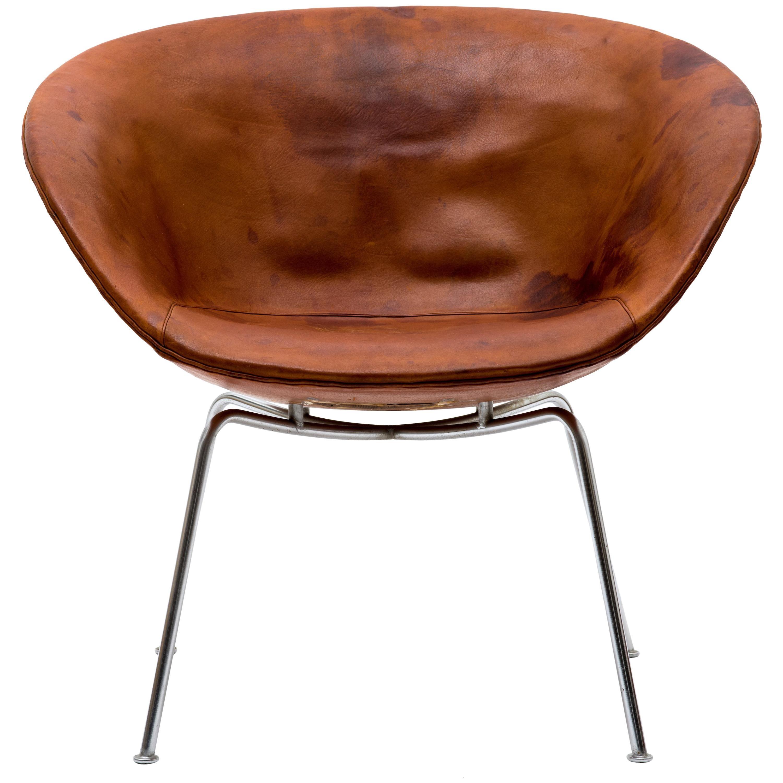 Arne Jacobsen Pot Chair in Distressed Original Fritz Hansen Cognac Leather