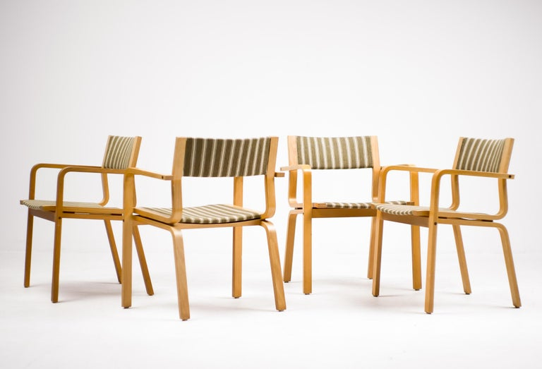 Laminated Arne Jacobsen Saint Catherine College Chairs For Sale