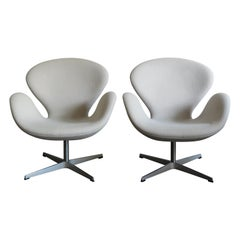 Arne Jacobsen Scandinavian Fabric Swan Armchairs for Fritz Hansen