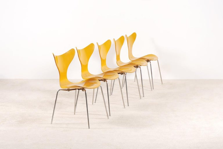 Danish Arne Jacobsen, Set of 5 Lily Chairs for Fritz Hansen, 1968 For Sale