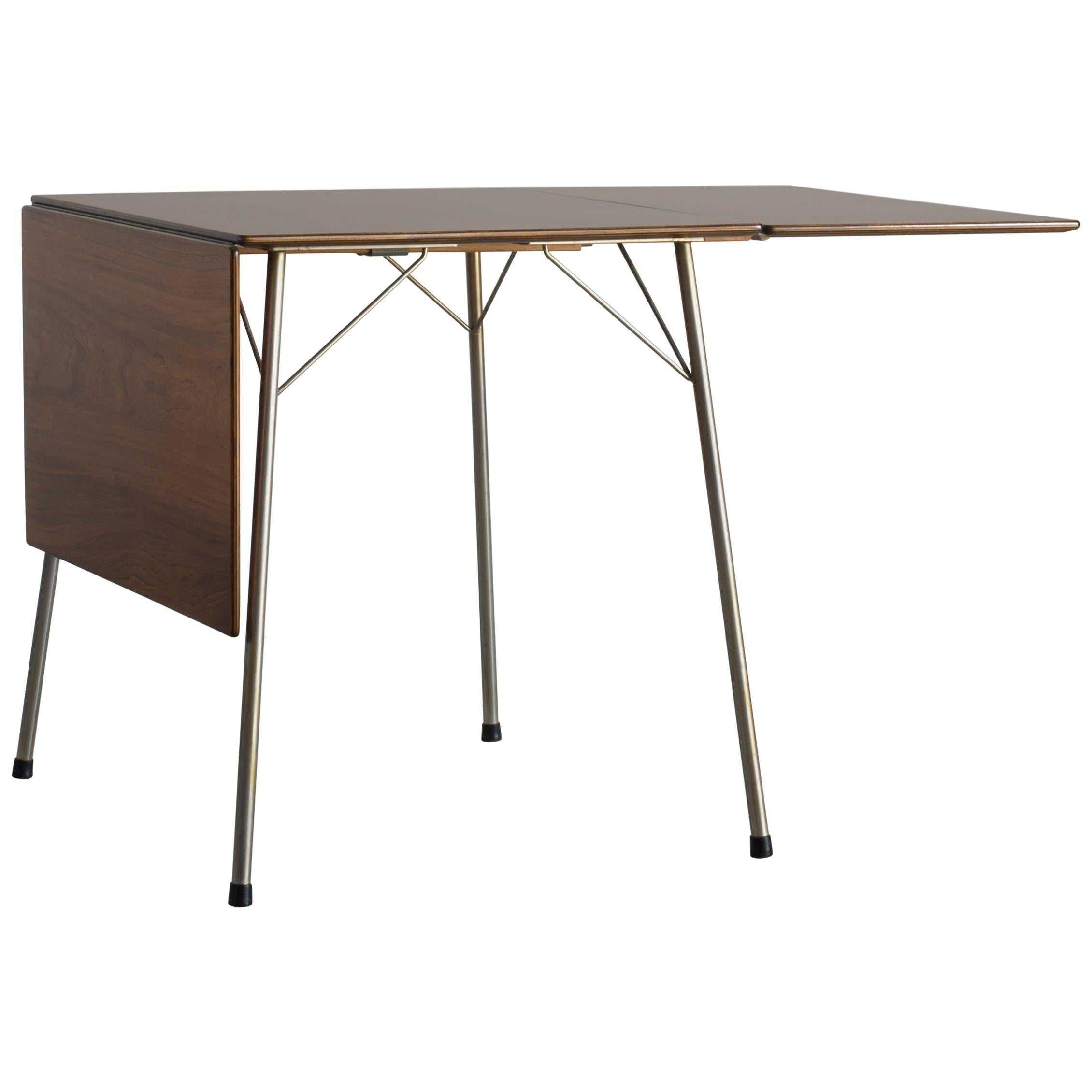 Arne Jacobsen Small Leaf Table in Rosewood for Fritz Hansen