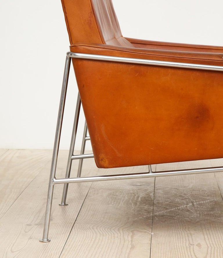 Arne Jacobsen, Sofa #3302 with Original Leather, 1956, Denmark For Sale 6