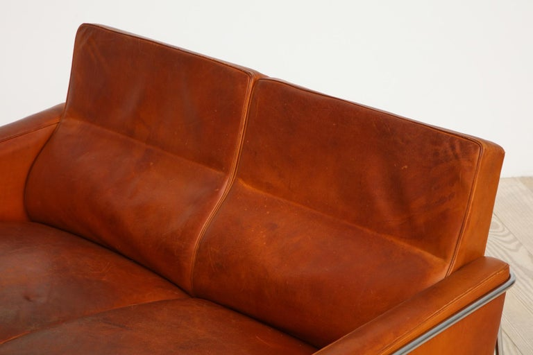 Arne Jacobsen, Sofa #3302 with Original Leather, 1956, Denmark For Sale 11