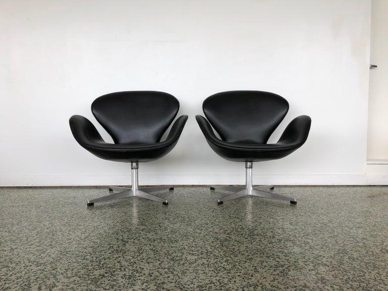 Designer: Arne Jacobsen  Manufacture: Fritz Hansen  Period/style: Mid-Century Modern  Country: Denmark Date: 1970s.
