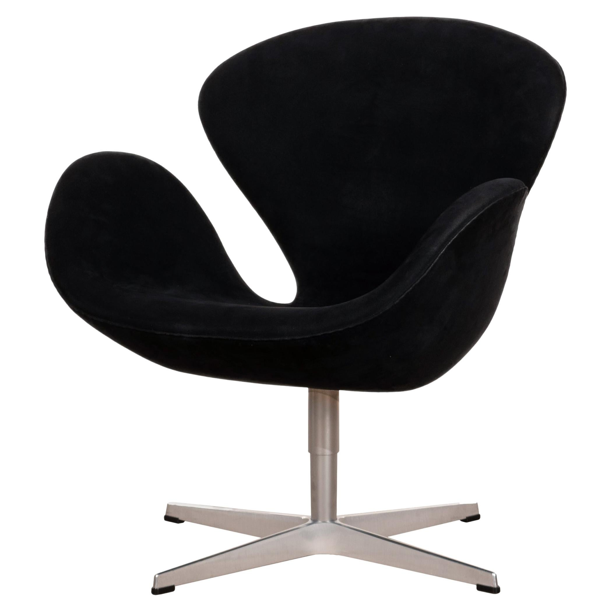 Arne Jacobsen Swan Chair in Black Alcantara for Fritz Hansen, Denmark