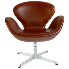 Arne Jacobsen Swan Chair in Leather
