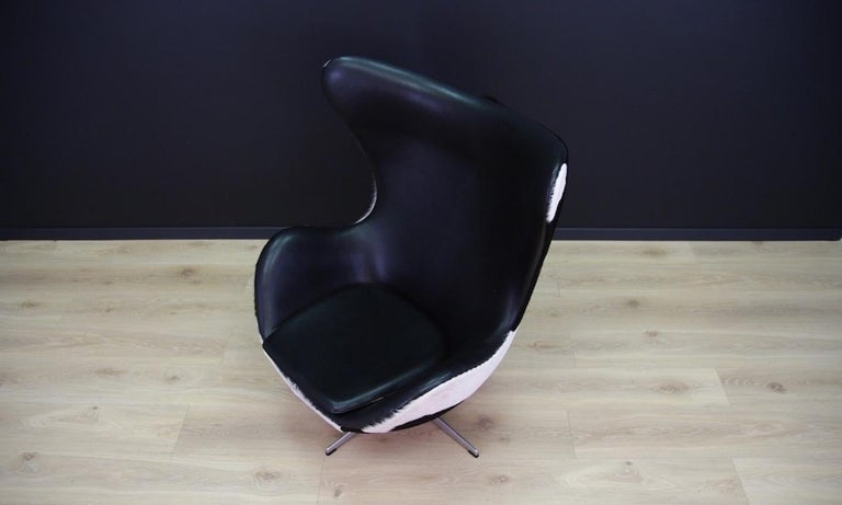 Arne Jacobsen the Egg Chair Cow Leather Elegance, 1980s For Sale 9