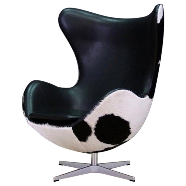 Arne Jacobsen the Egg Chair Cow Leather Elegance, 1980s For Sale