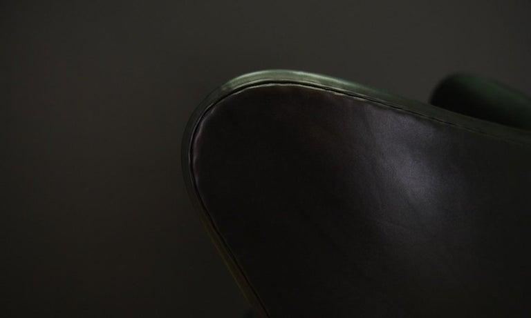 Arne Jacobsen the Egg Chair Elegance Leather Black For Sale 2