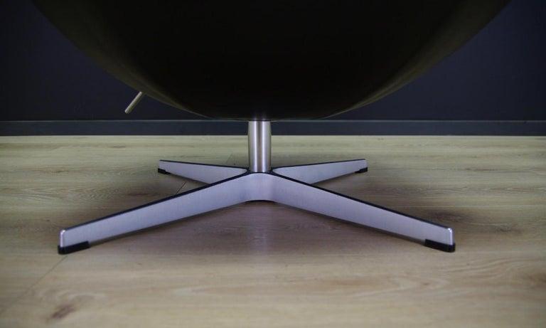 Arne Jacobsen the Egg Chair Elegance Leather Black For Sale 3