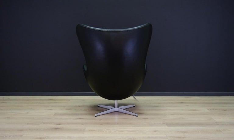 Arne Jacobsen the Egg Chair Elegance Leather Black For Sale 4