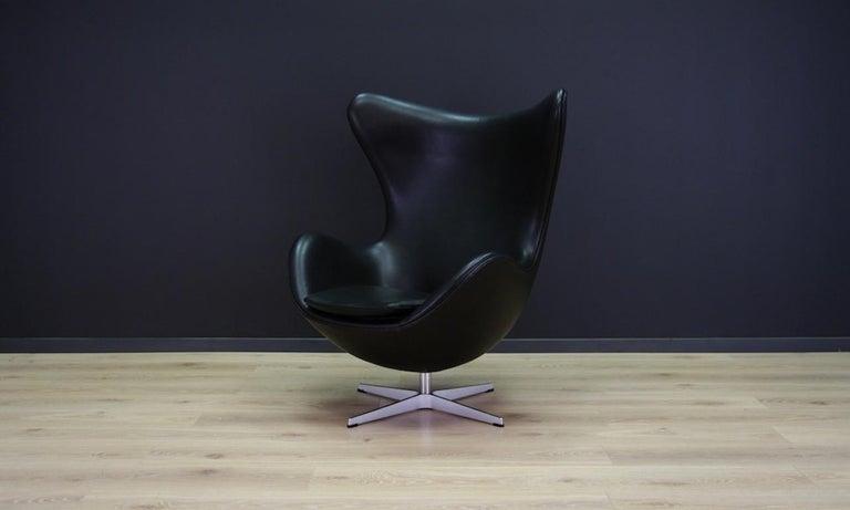 Mid-Century Modern Arne Jacobsen the Egg Chair Elegance Leather Black For Sale