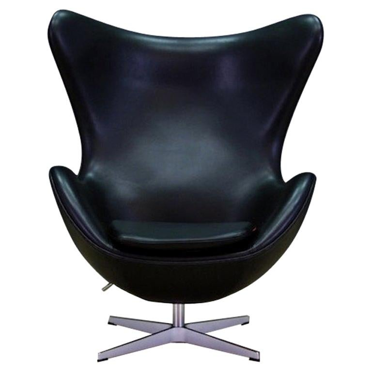 Arne Jacobsen the Egg Chair Elegance Leather Black For Sale