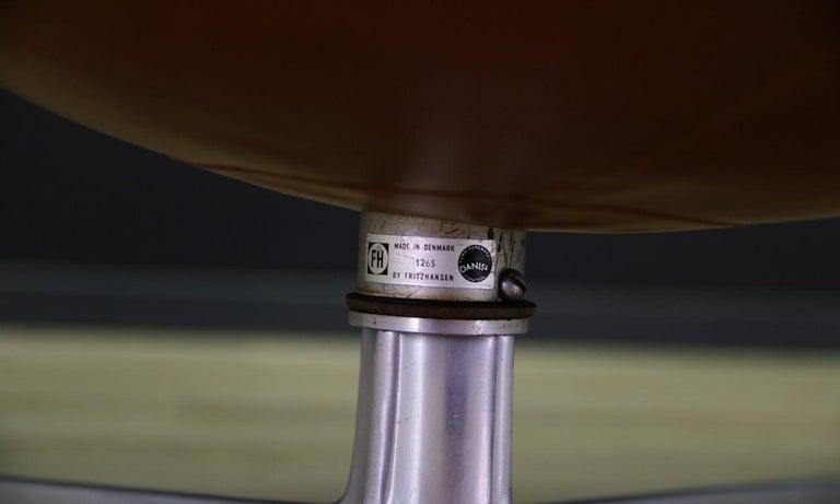 Arne Jacobsen the Egg Chair Elegance Leather Retro For Sale 9