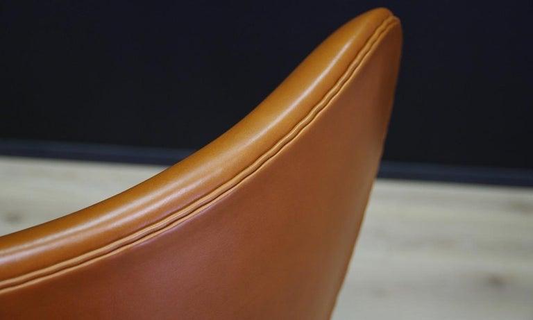 Scandinavian Arne Jacobsen the Egg Chair Elegance Leather Retro For Sale