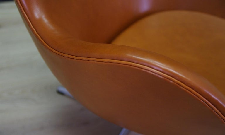 Late 20th Century Arne Jacobsen the Egg Chair Elegance Leather Retro For Sale