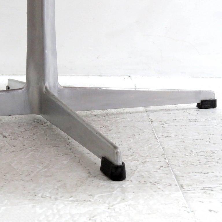 Arne Jacobsen, Swan Chair, Model 3320 For Sale 5