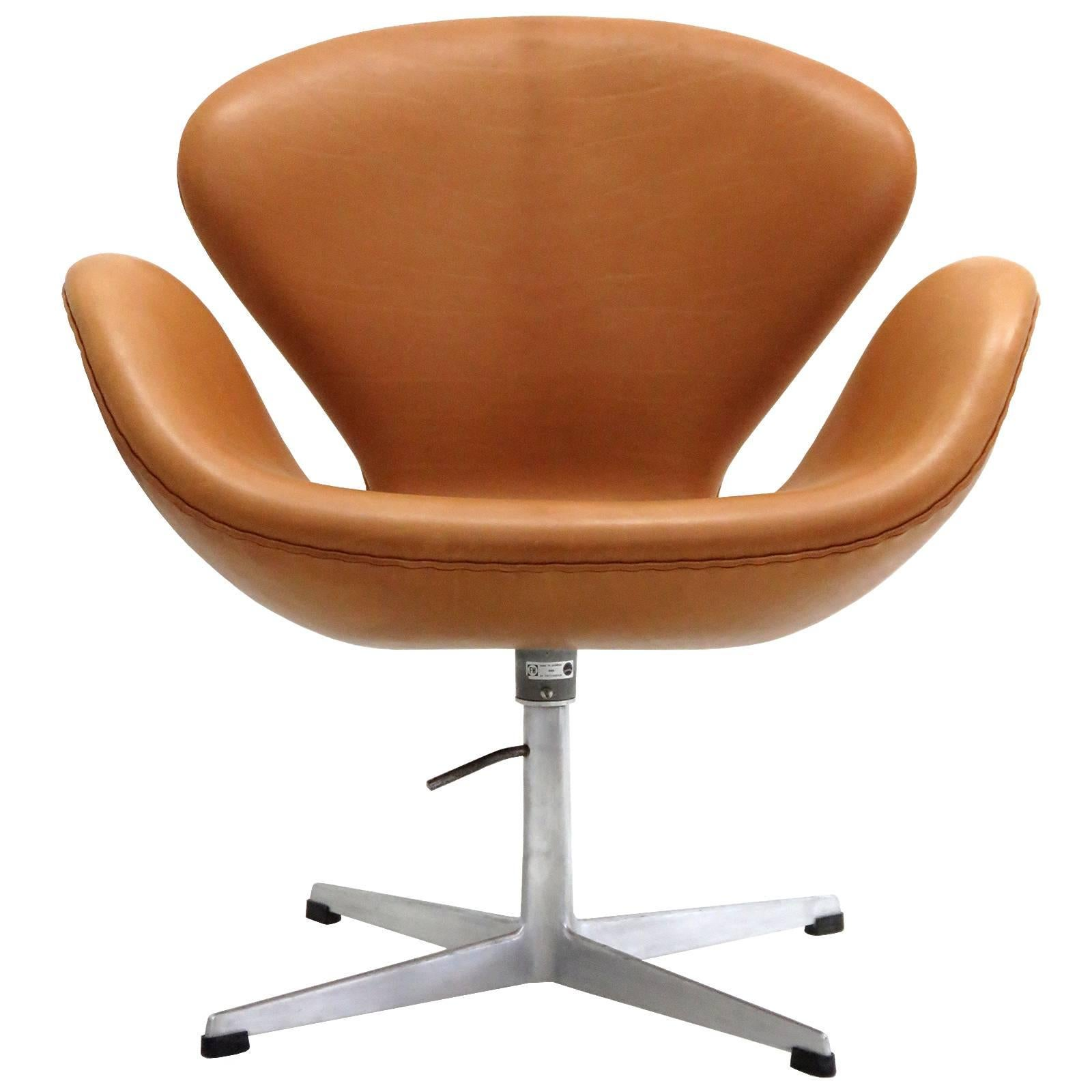 Charmant Arne Jacobsen, Swan Chair, Model 3320