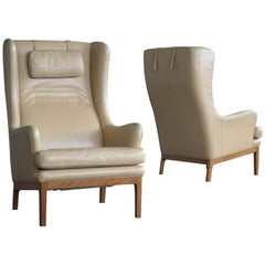 Arne Norell Pair of High Back Lounge Chairs Model Krister in Tan Leather, 1960s