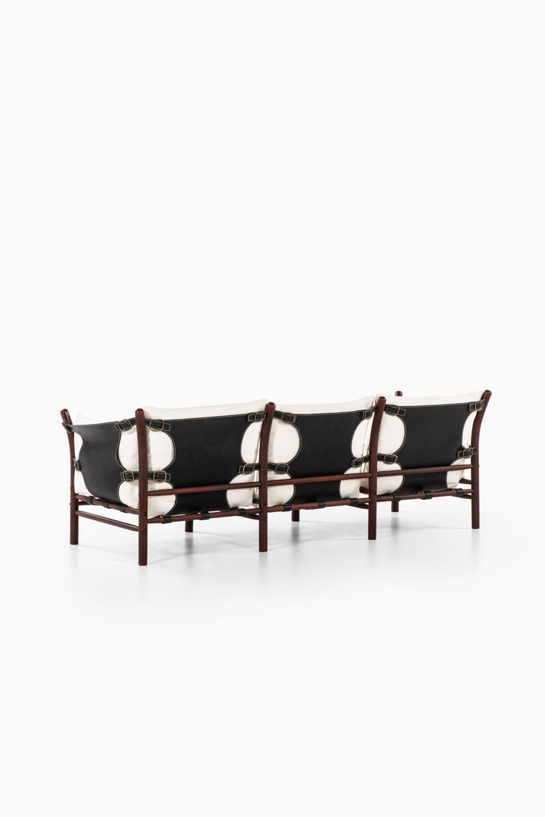 Mid-20th Century Arne Norell Sofa Model Ilona Produced by Arne Norell AB in Aneby, Sweden For Sale