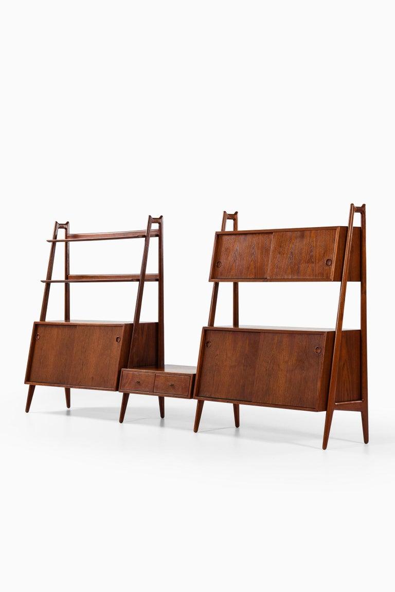 Arne Vodder & Anton Borg Bookcase Produced by Vamo in Denmark For Sale 3