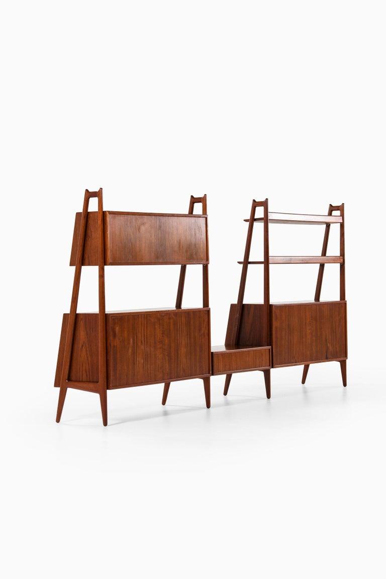 Arne Vodder & Anton Borg Bookcase Produced by Vamo in Denmark For Sale 2