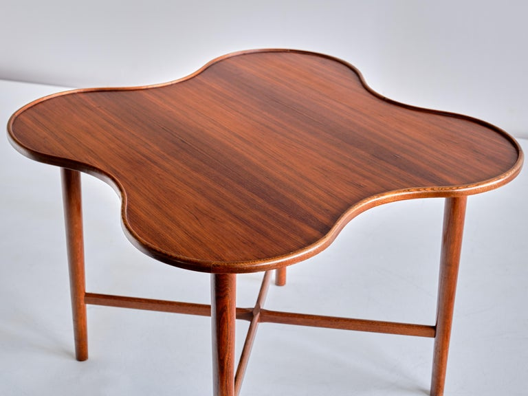 Arne Vodder Attributed Teak Side Table with Quatrefoil Shape, Denmark, 1960s In Good Condition For Sale In The Hague, NL
