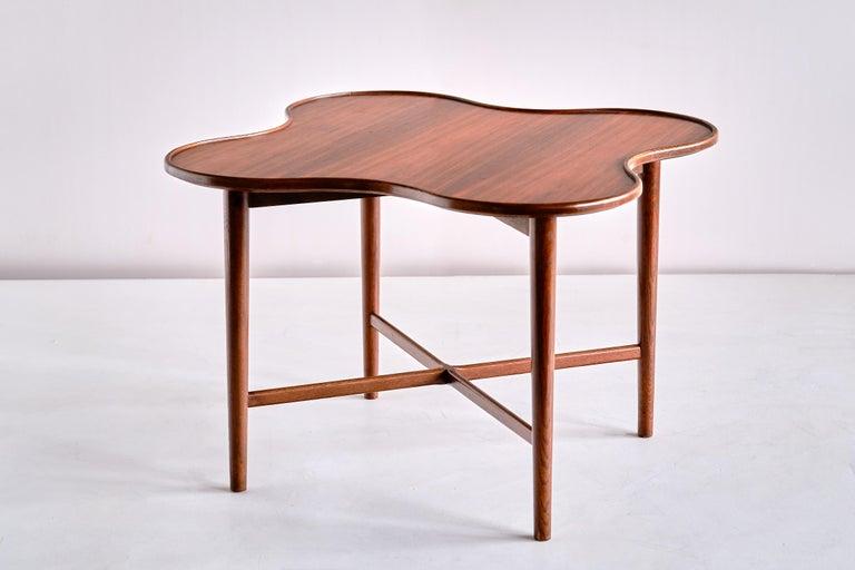 Arne Vodder Attributed Teak Side Table with Quatrefoil Shape, Denmark, 1960s For Sale 1
