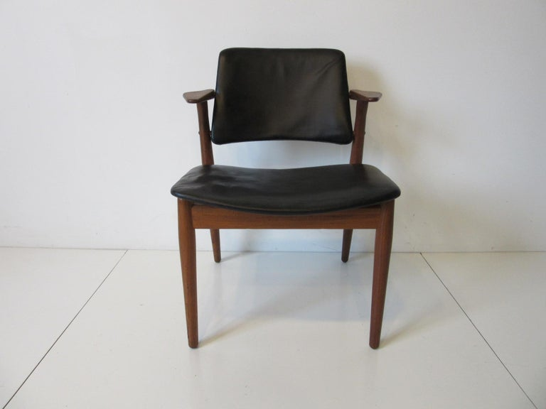 Mid-Century Modern Arne Vodder Danish Chair Teak / Leather for Helge Sibast For Sale